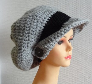 Beanie with a visor Picture