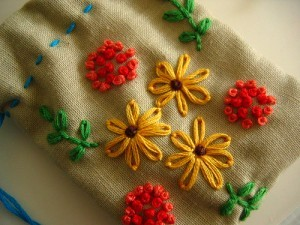 Lazy Daisy Embroidery Design