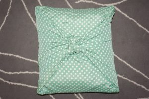 No-Sew Pillow Covers Knot Photo
