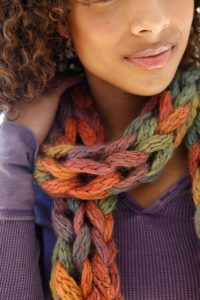 Finger Knit Chain Link Scarf
